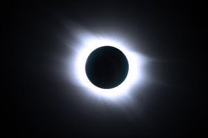Total_Solar_Eclipse_1_by_evilneil